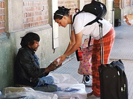 Argentina homeless help2-min
